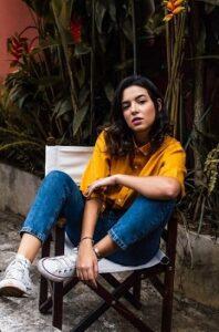 trampki stylizacja jeansy